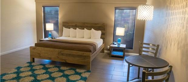 Weekend Romance Special at Thunderbird Boutique Hotel, Nevada