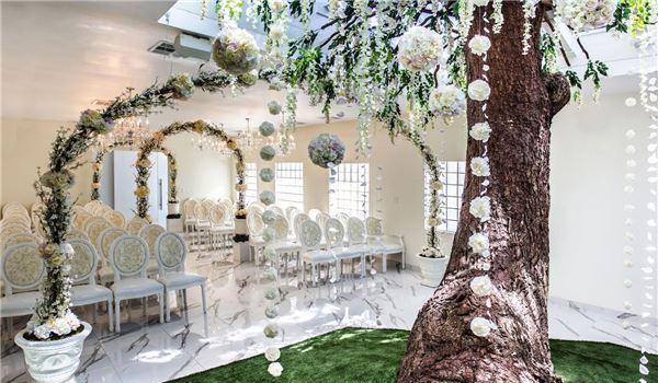 Thunderbird Boutique Hotel, Nevada The Tree of Love Chapel